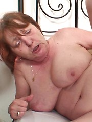 The hardcore mature sex is awesome and the granny babe gets a good hard fucking in pictures