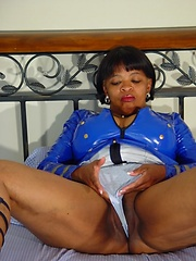 Black granny Topaz likes her older body