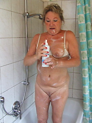 This naughty housewife loves to get kinky