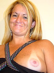 Mature blonde puta sucks on a big hard one and ends up with a huge sloppy facial