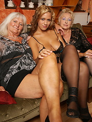 Two amture lesbians have fun with young girl
