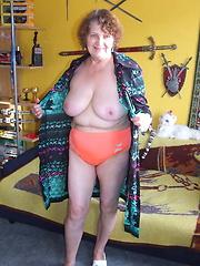 Mature granny in hot solo session