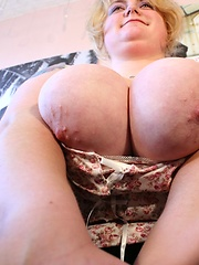 Homemade session with huge breasted chubby blonde from Berlin