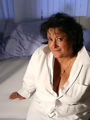 Thick german mom exposed her large breasts