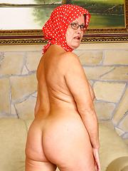 Hungry granny Renata taking hard black cock