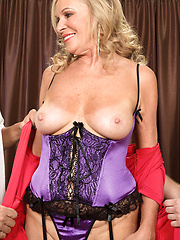 MAture whore Bethany James loves two tranks at the same time