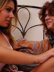 Naughty older lesbian doing a ahot teeny babe
