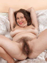 Josie has fun showing us her naked hairy body