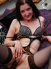 Lovely saggy mature lady showing her sexuality