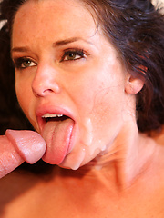 Sexy MILF Veronica Avluv cant get enough cock.