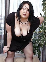 Big breasted mature slut getting wet