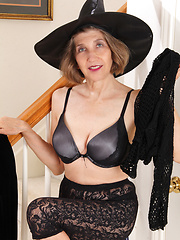 Witchy granny casts a spell to harden your cock