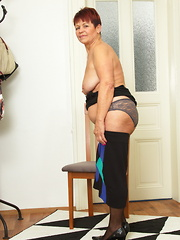 This naughty mature lady loves to play around