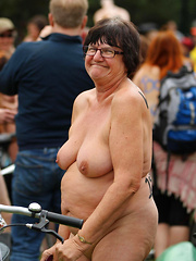 Mature sportswomen by the public nudity and the flashing