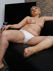 This chubby mature lady gets very naughty