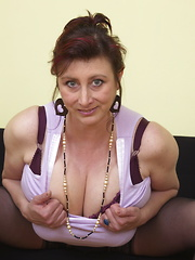 Huge breasted mature Jana shows us her good stuff